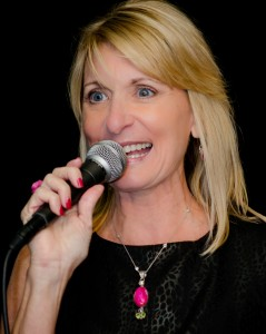 Lynn-Bardowski-passionate-motivational-speaker